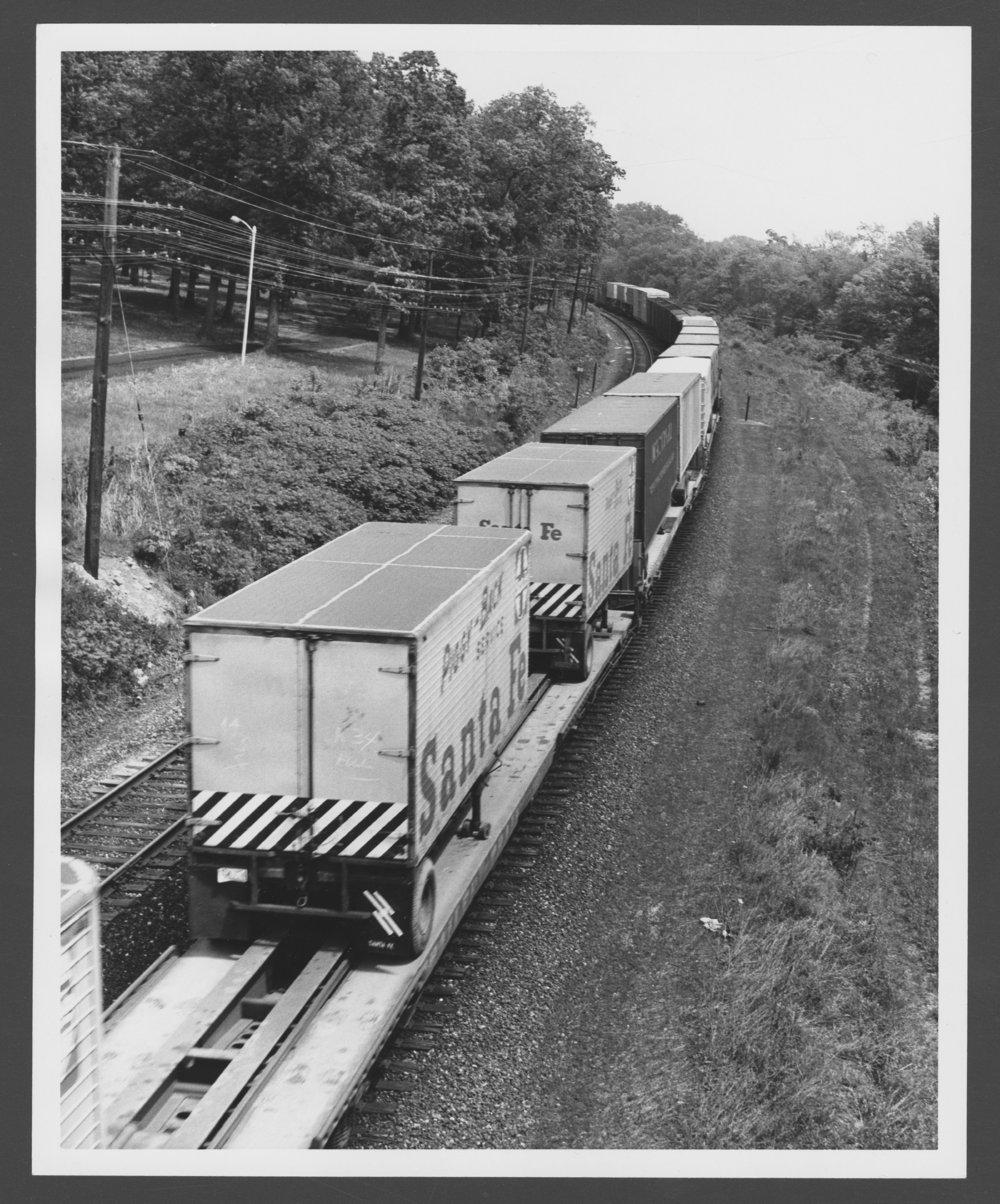 Atchison, Topeka & Santa Fe Railway Company's truck trailers - 1