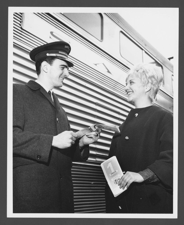 Atchison, Topeka & Santa Fe Railway Company employee - 1
