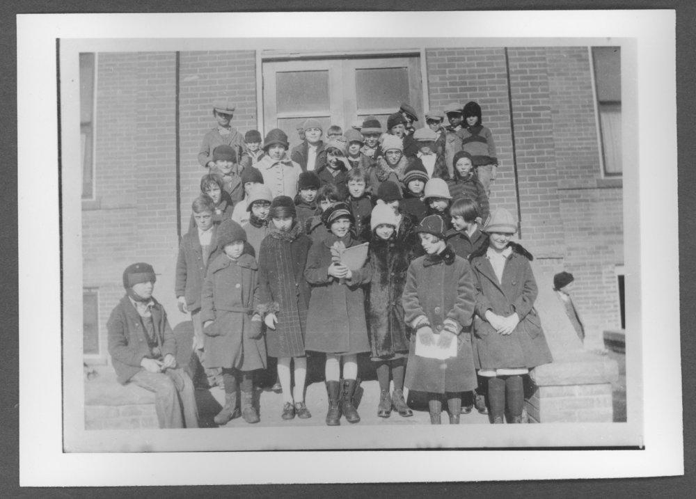 Scenes of Sherman County, Kansas - Fifth grade at Central School, 1927.