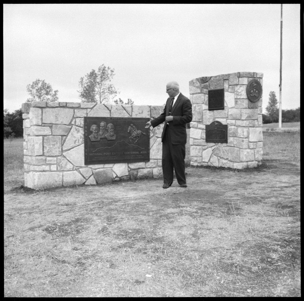 Dedication of the Pony Express monument, Washington County, Kansas - *7