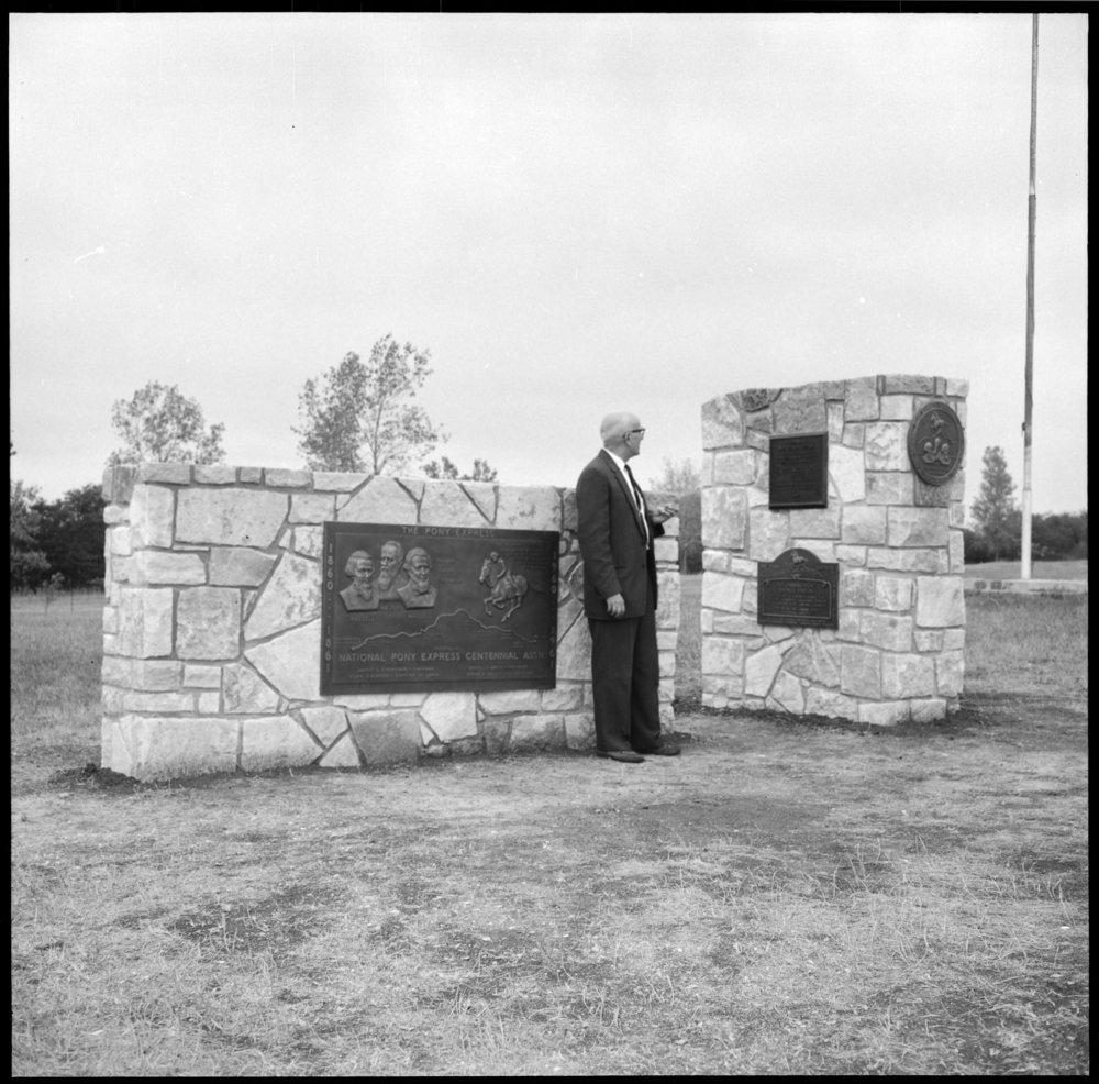Dedication of the Pony Express monument, Washington County, Kansas - *6
