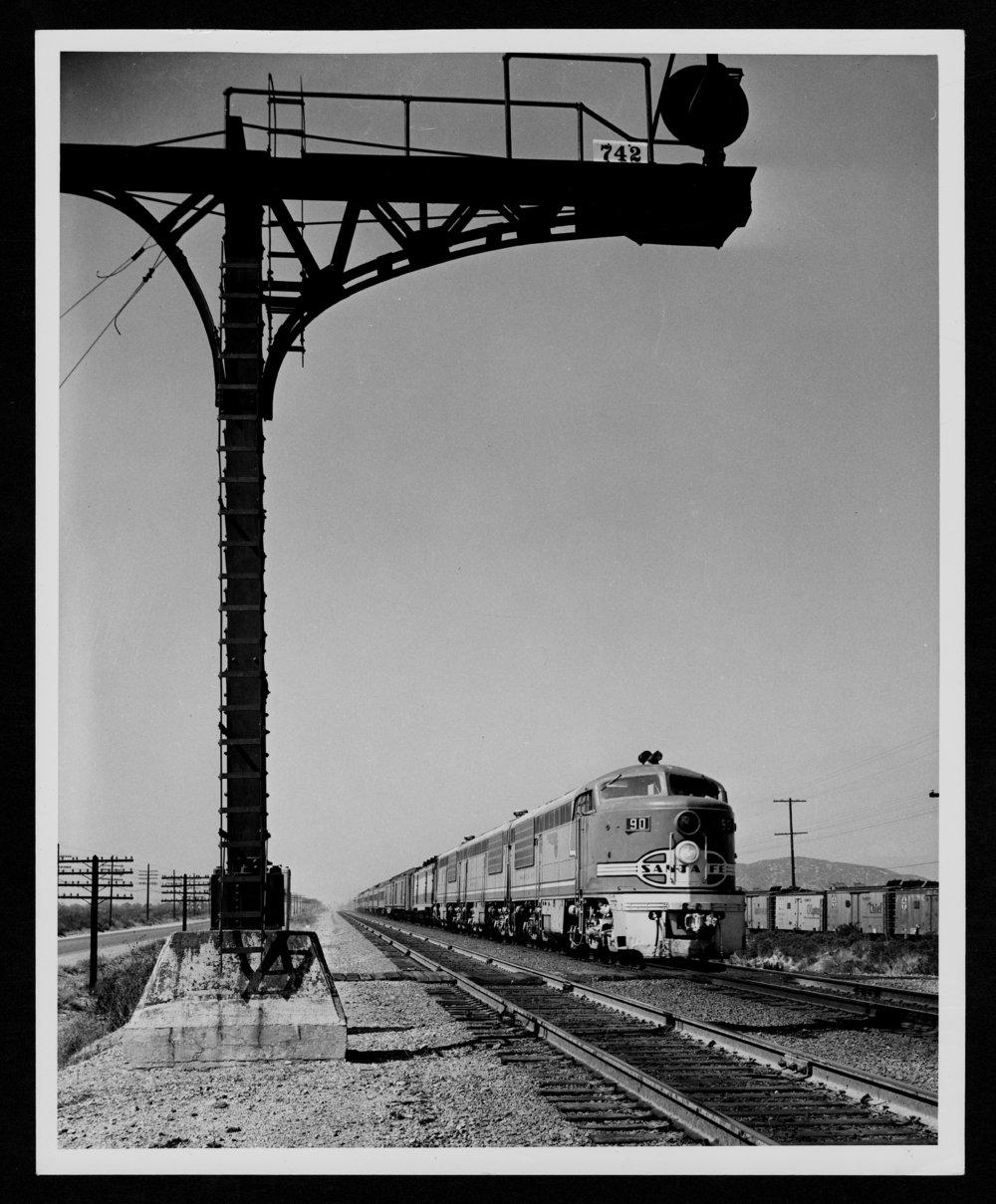 Atchison, Topeka & Santa Fe Railway Company's diesel engine - 1