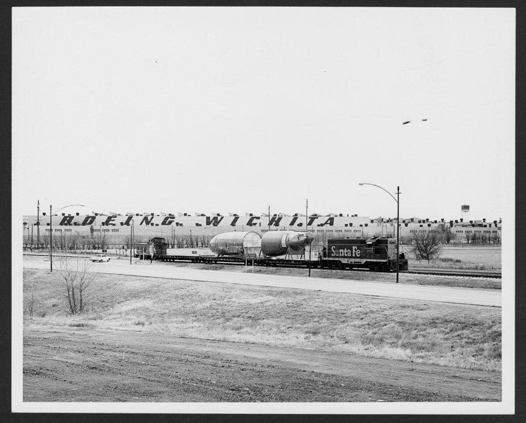 Atchison, Topeka & Santa Fe Railway Company's railway shipment - 1