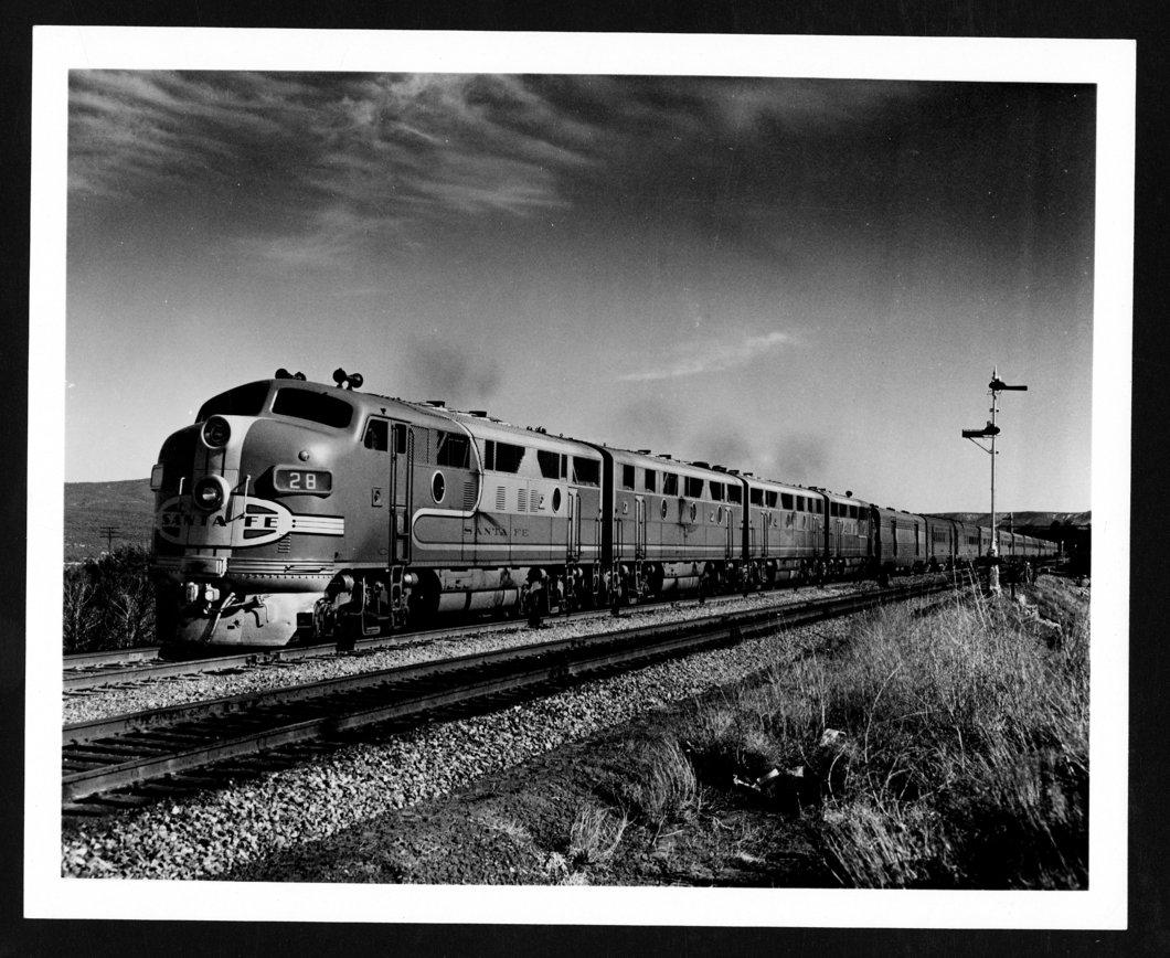 Atchison, Topeka & Santa Fe Railway's Super Chief passenger train
