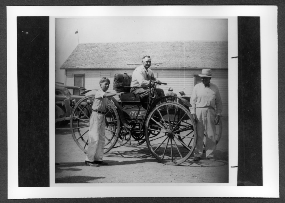 Scenes of Sherman County, Kansas - Dr. Gulick's 1902 Holsman auto.