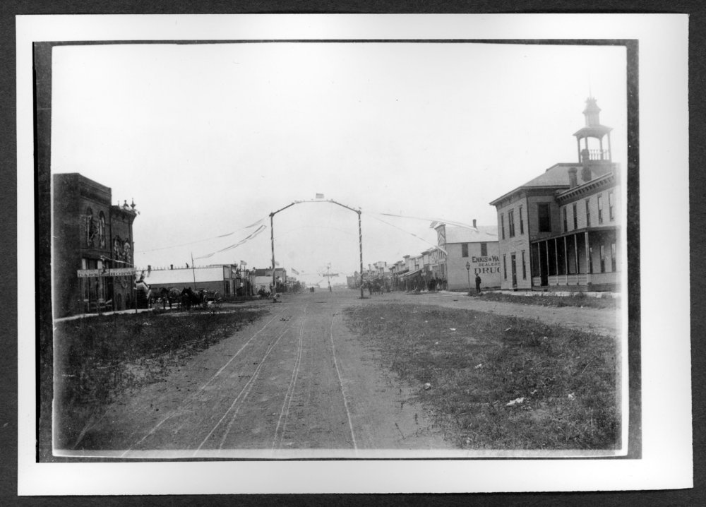 Scenes of Sherman County, Kansas - Boulevard (Main) Street in Goodland, Kansas, looking south from 8th St., between 1890-1894.
