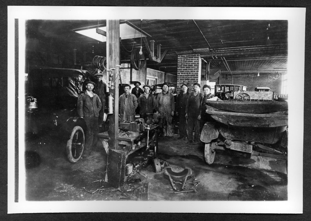 Scenes of Sherman County, Kansas - Thompson's garage (Ford) and employees, 1917.