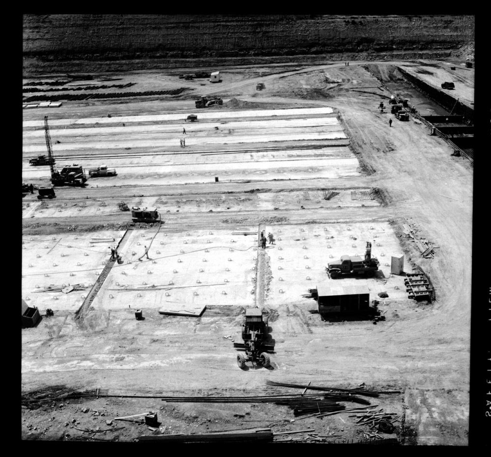 Construction of the Tuttle Creek Dam - 2