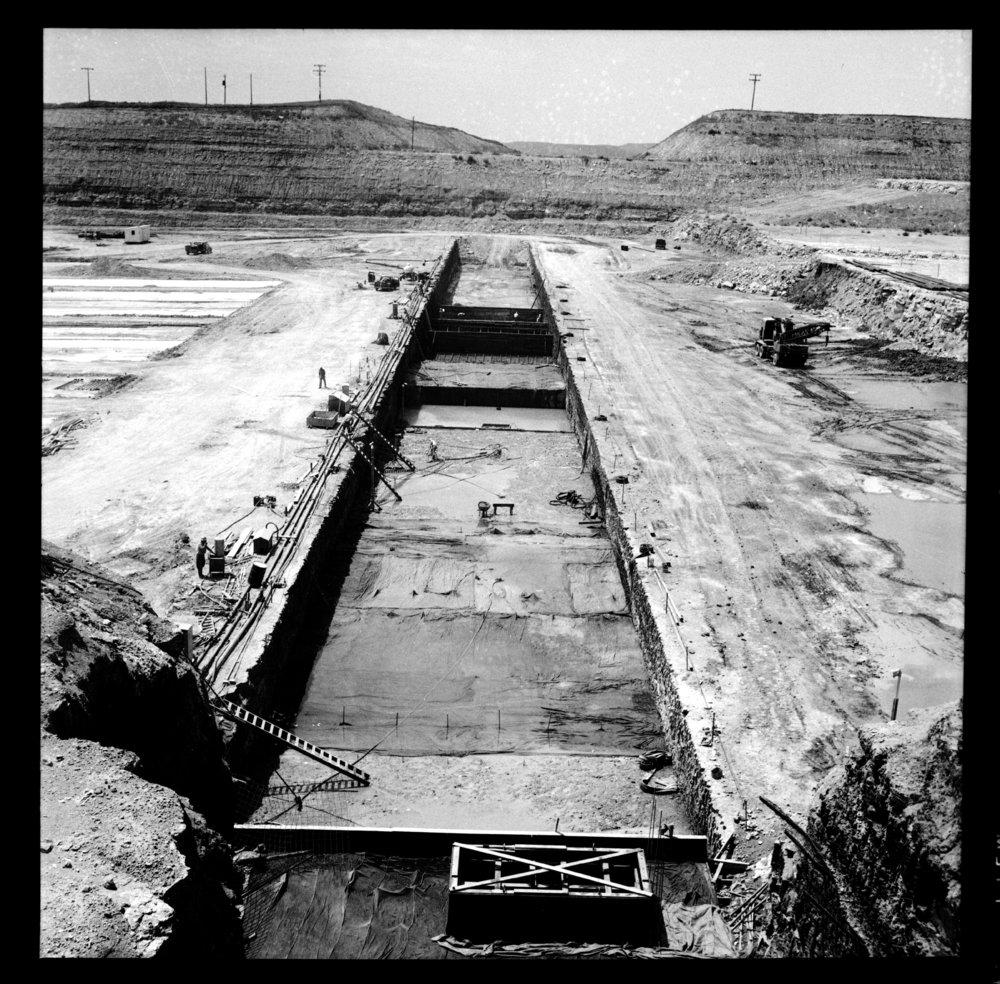 Construction of the Tuttle Creek Dam - 6