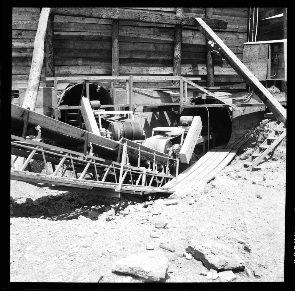 Construction of the Tuttle Creek Dam - 4