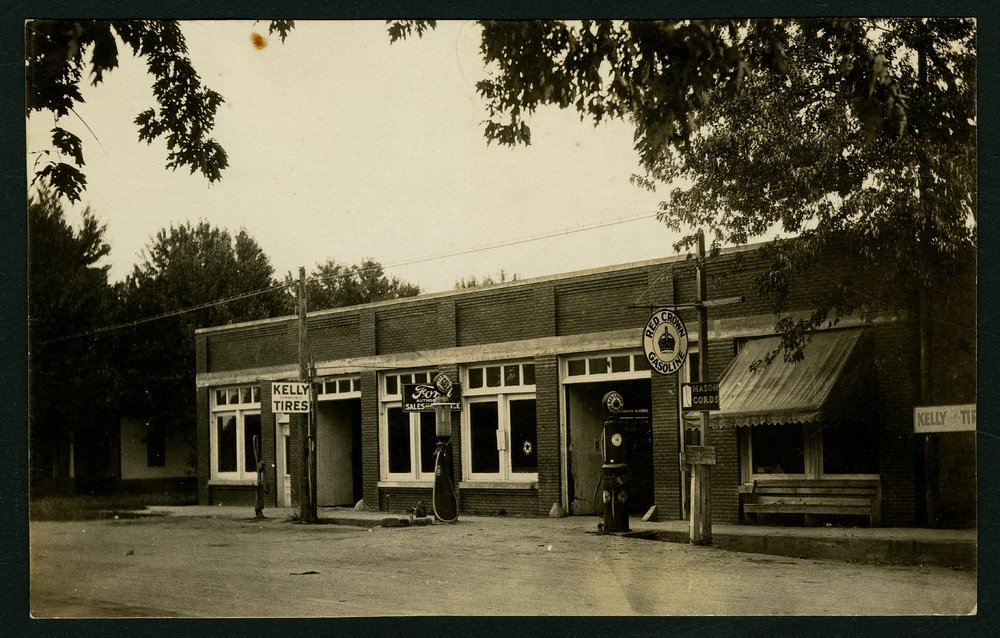 Filling station and Ford dealership in Mount Hope, Kansas - 1