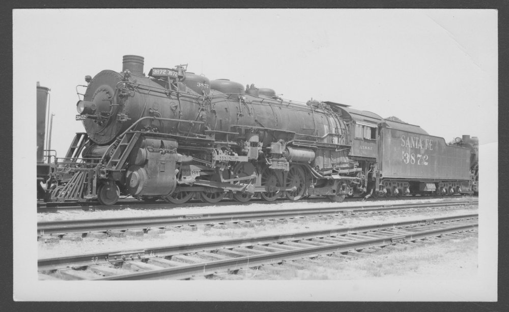 Atchison, Topeka & Santa Fe Railway Company's steam locomotive #3872 - 1