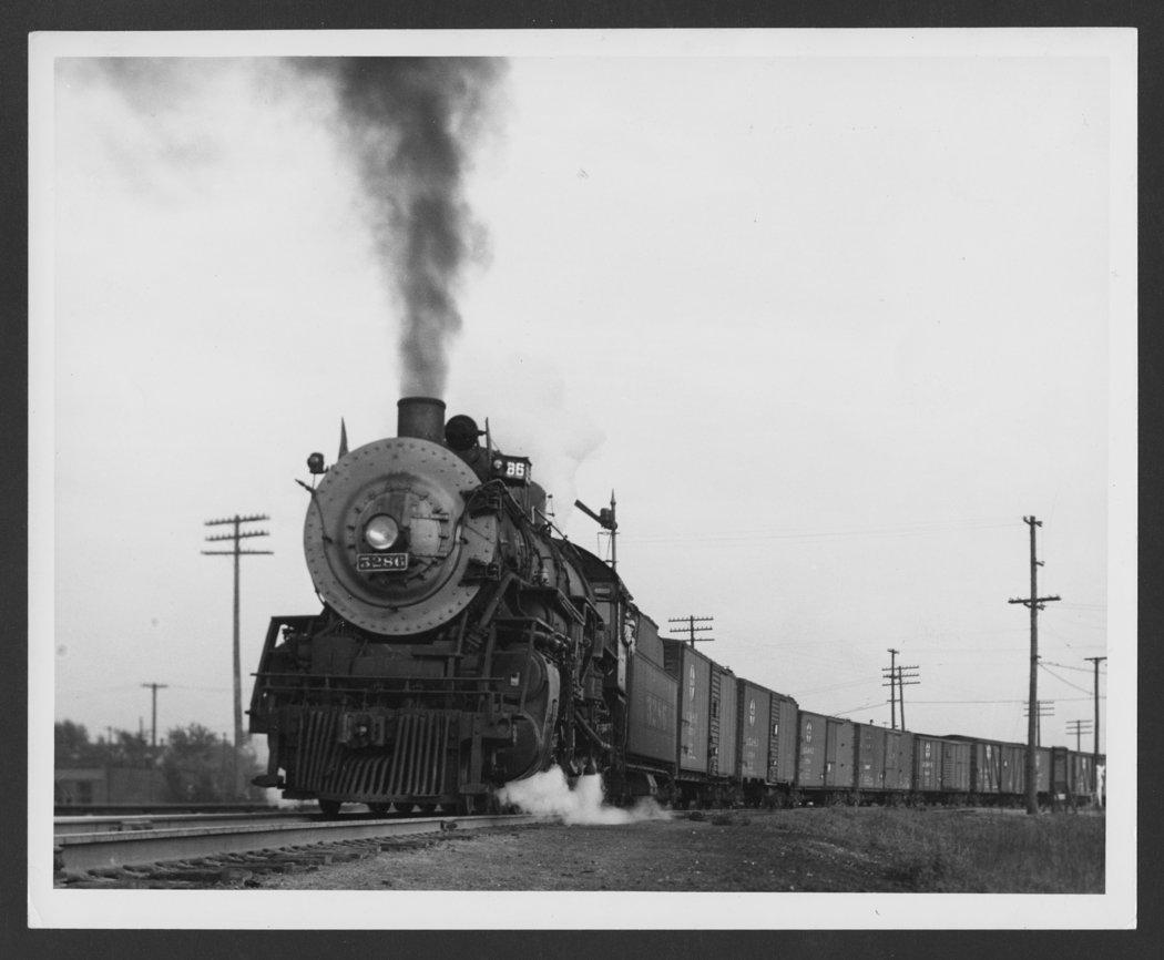 Atchison, Topeka & Santa Fe Railway Company's steam locomotive #3286 - 1