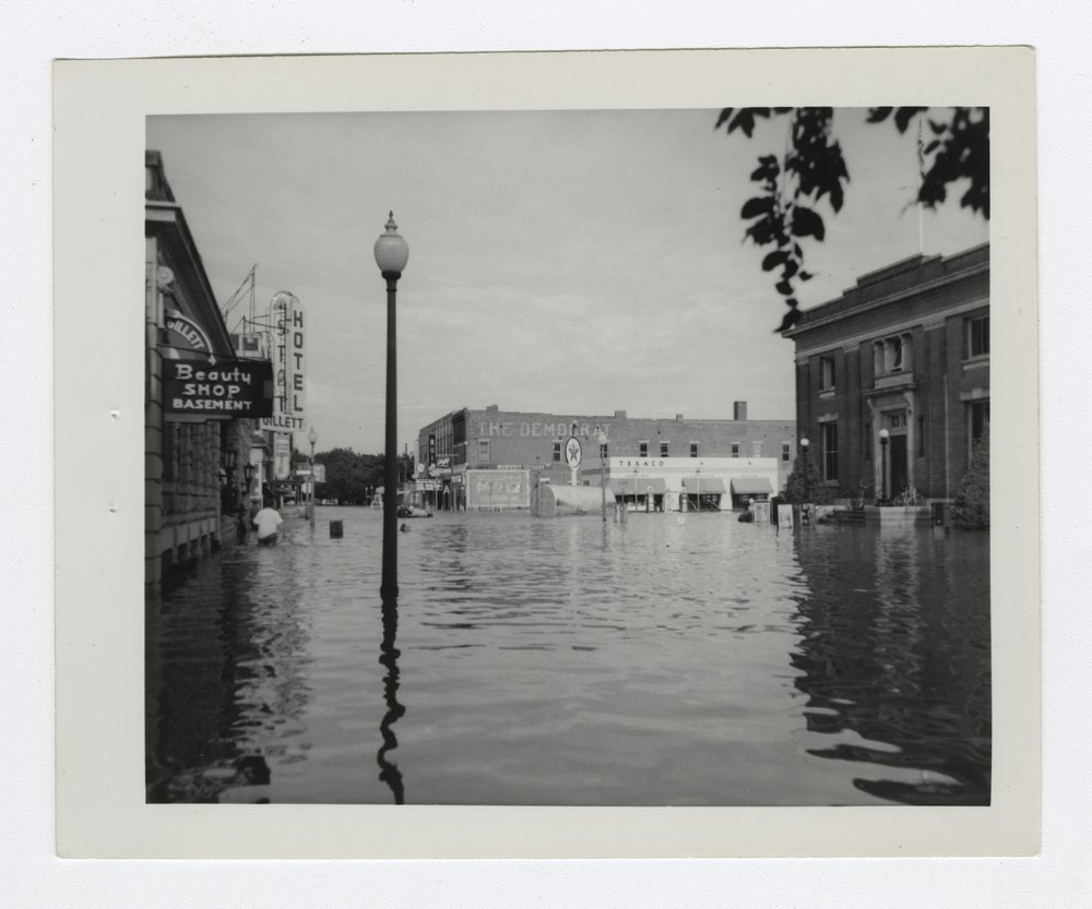 1951 flood scenes in Manhattan, Kansas - 8