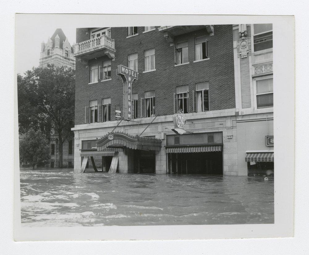 1951 flood in Manhattan, Kansas - 4 [Wareham Hotel]