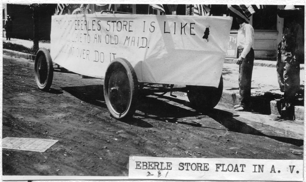 Eberle Grocery parade float, Alta Vista, Kansas