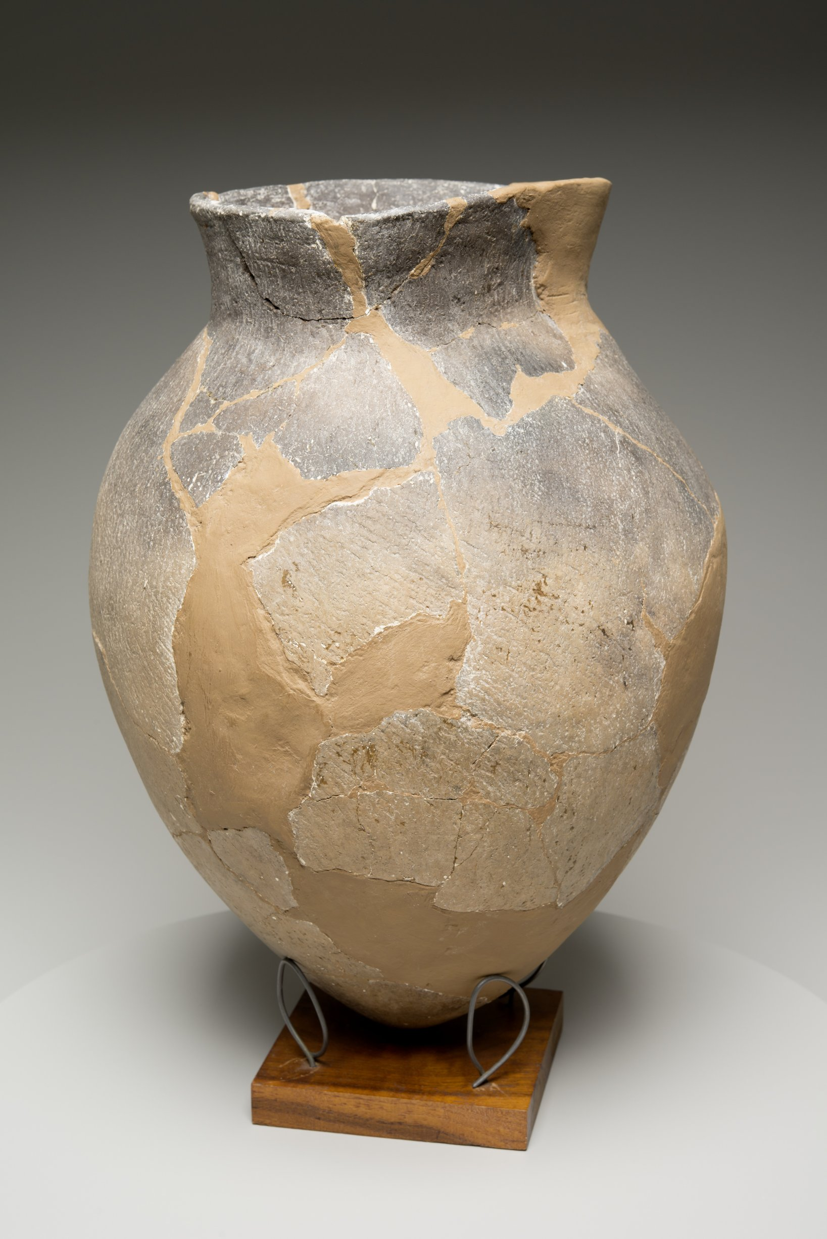 Grasshopper Falls phase Early Ceramic Vessel From the Booth Site, 14JN349 - 11