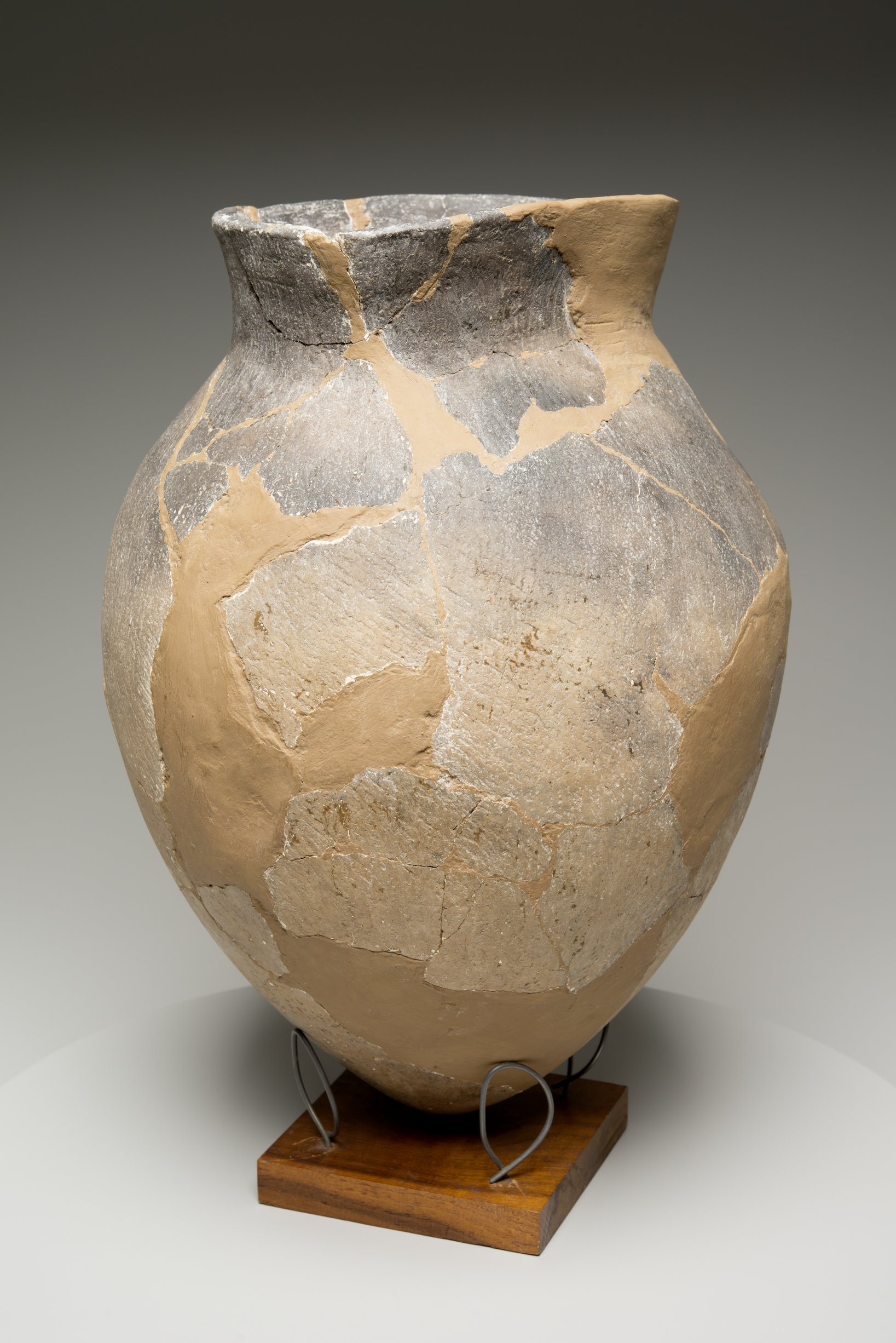 Grasshopper Falls phase Early Ceramic Vessel From the Booth Site, 14JN349 - 12