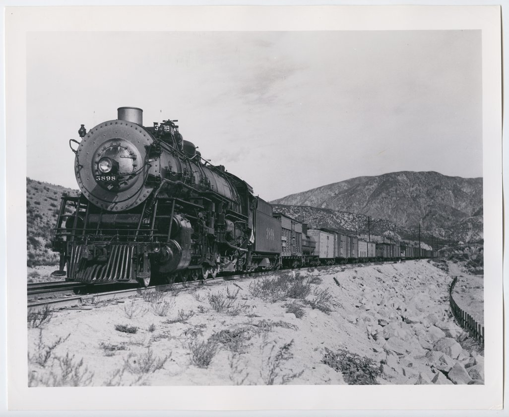 Atchison, Topeka & Santa Fe Railway Company's steam locomotive #3898 - 1