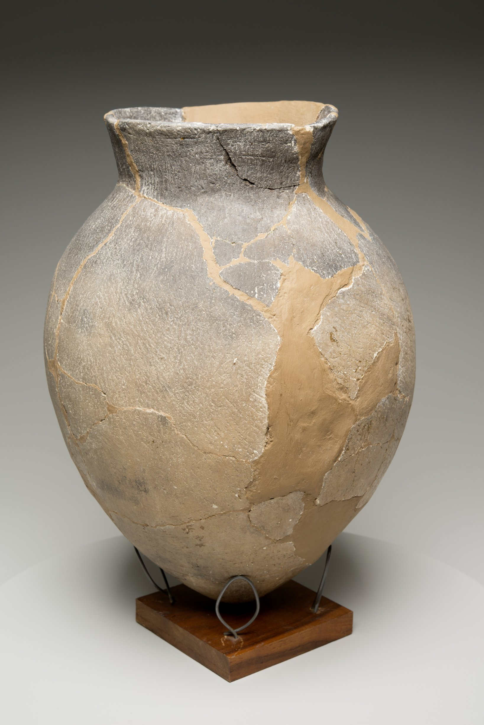Grasshopper Falls phase Early Ceramic Vessel From the Booth Site, 14JN349 - 6