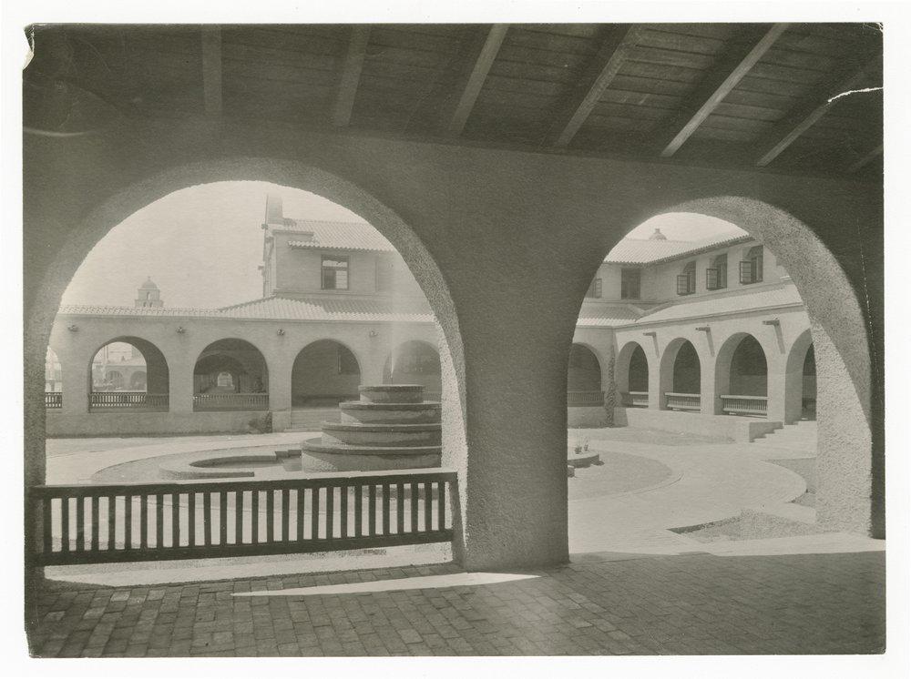 Atchison, Topeka and Santa Fe Railway Company's Fred Harvey Alvarado Hotel, Albuquerque, New Mexico - 1