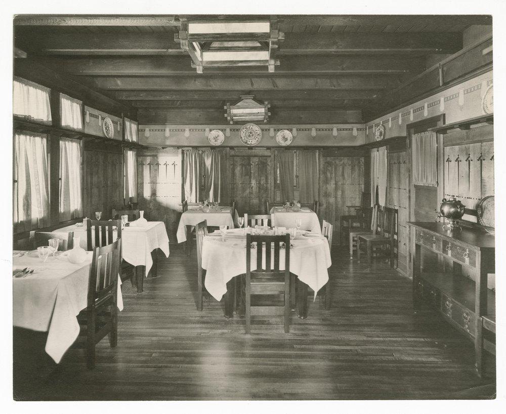 Atchison, Topeka & Santa Fe Railwaly Company's Fred Harvey El Tovar Hotel, Grand Canyon - 1