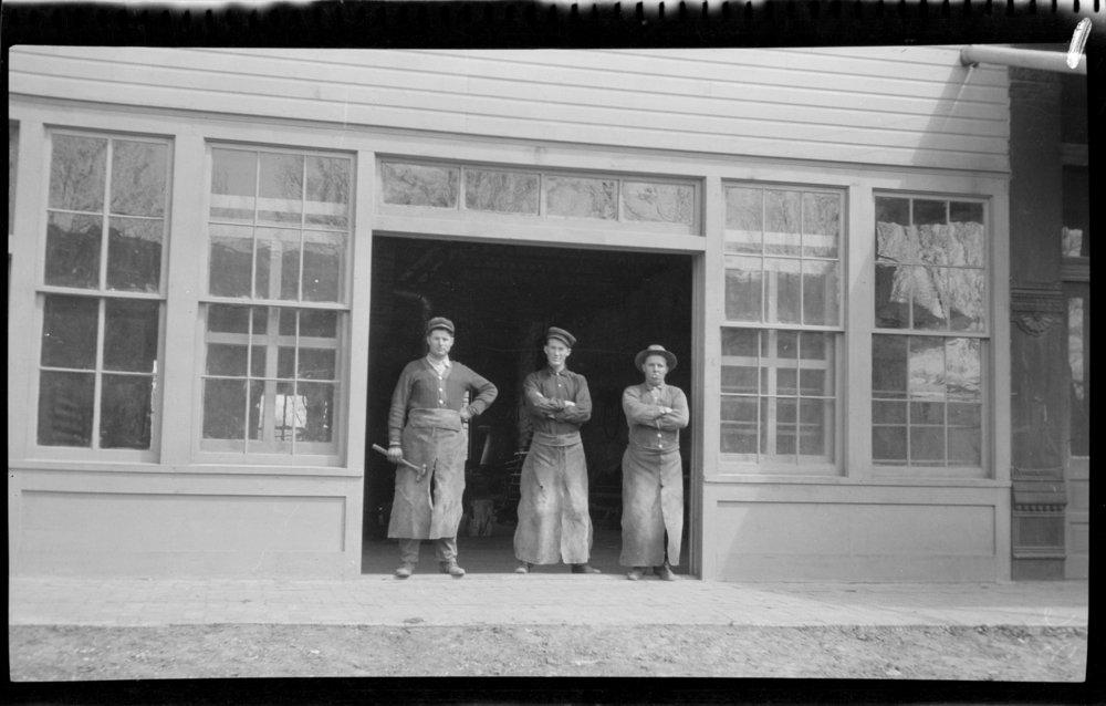 Moulton and Rose Rochford Kleckner photographs - Blacksmith shop in Osborne, Kansas