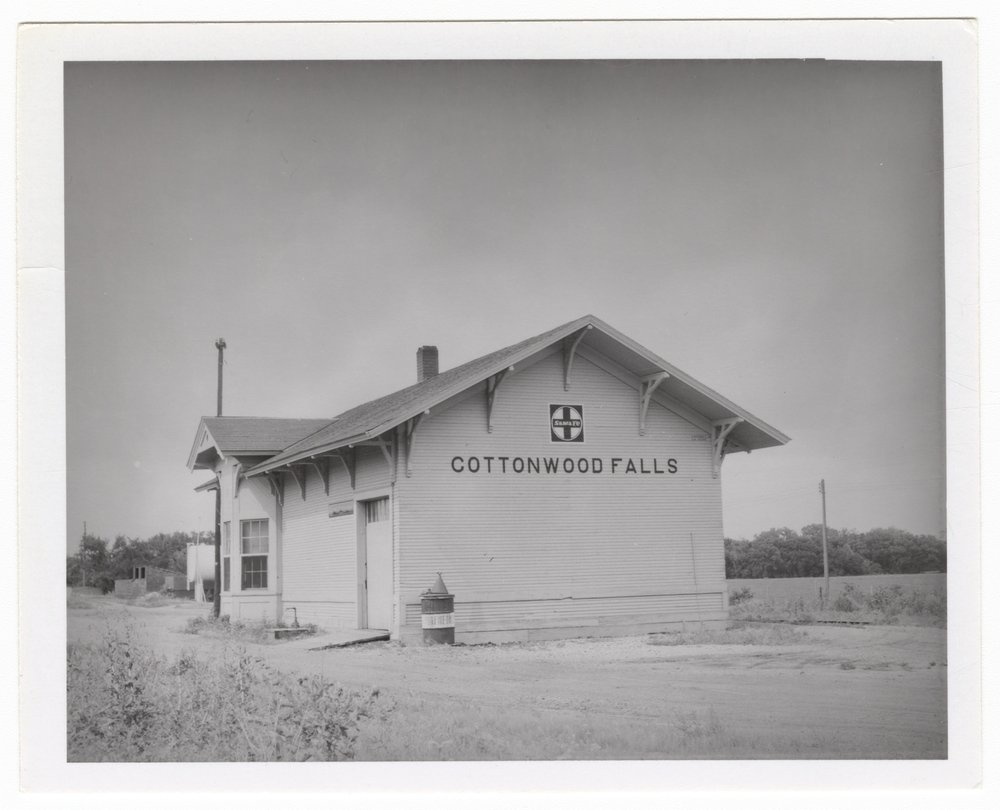 Atchison, Topeka and Santa Fe Railway Company depot, Cottonwood Falls, Kansas - 1