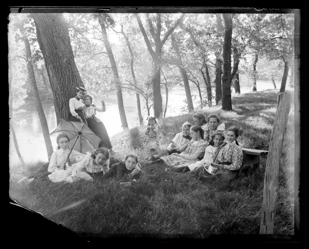 Children on a picnic in Council Grove, Kansas - 4
