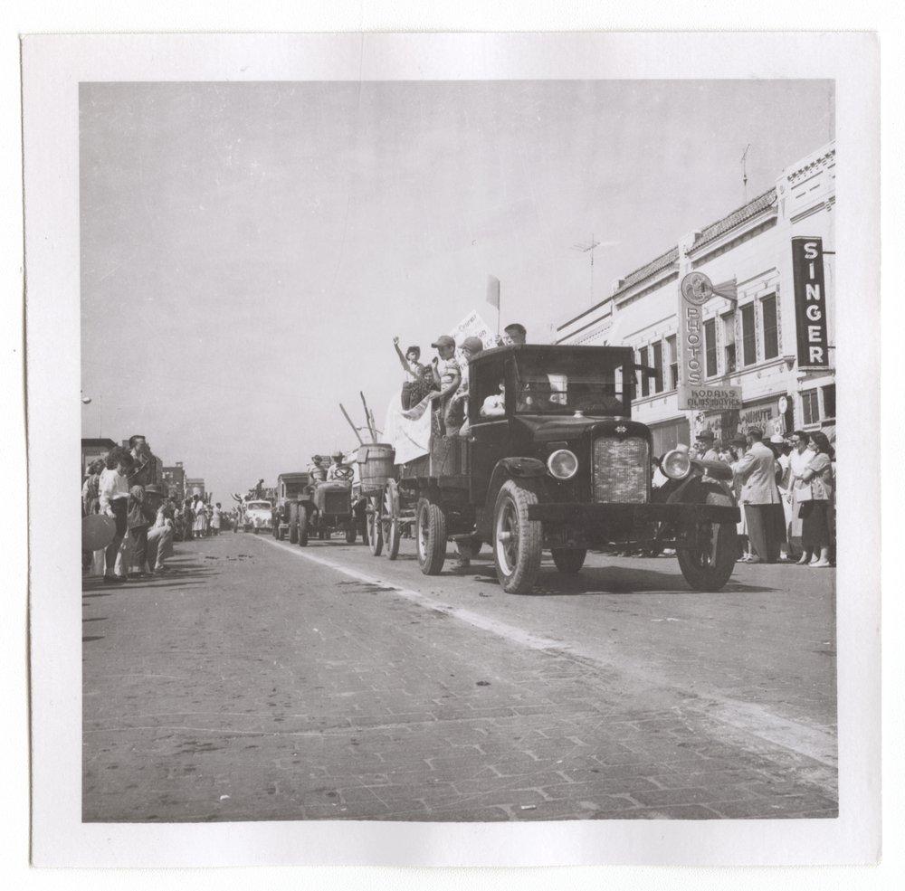 Centennial parade, Salina, Kansas - 5