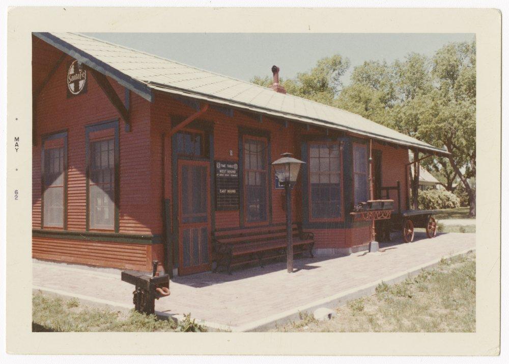 Atchison, Topeka and Santa Fe Railway Company depot, Sitka, Kansas - 1
