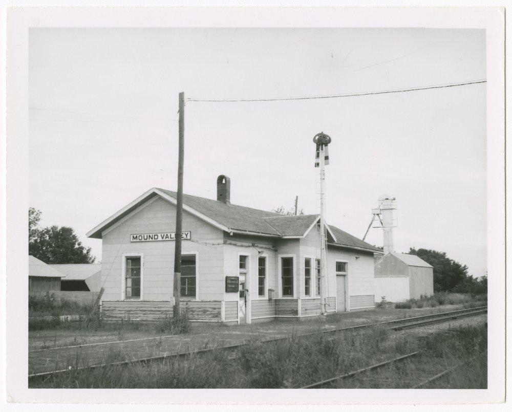 St. Louis-San Francisco Railway depot, Mound Valley, Kansas - 1