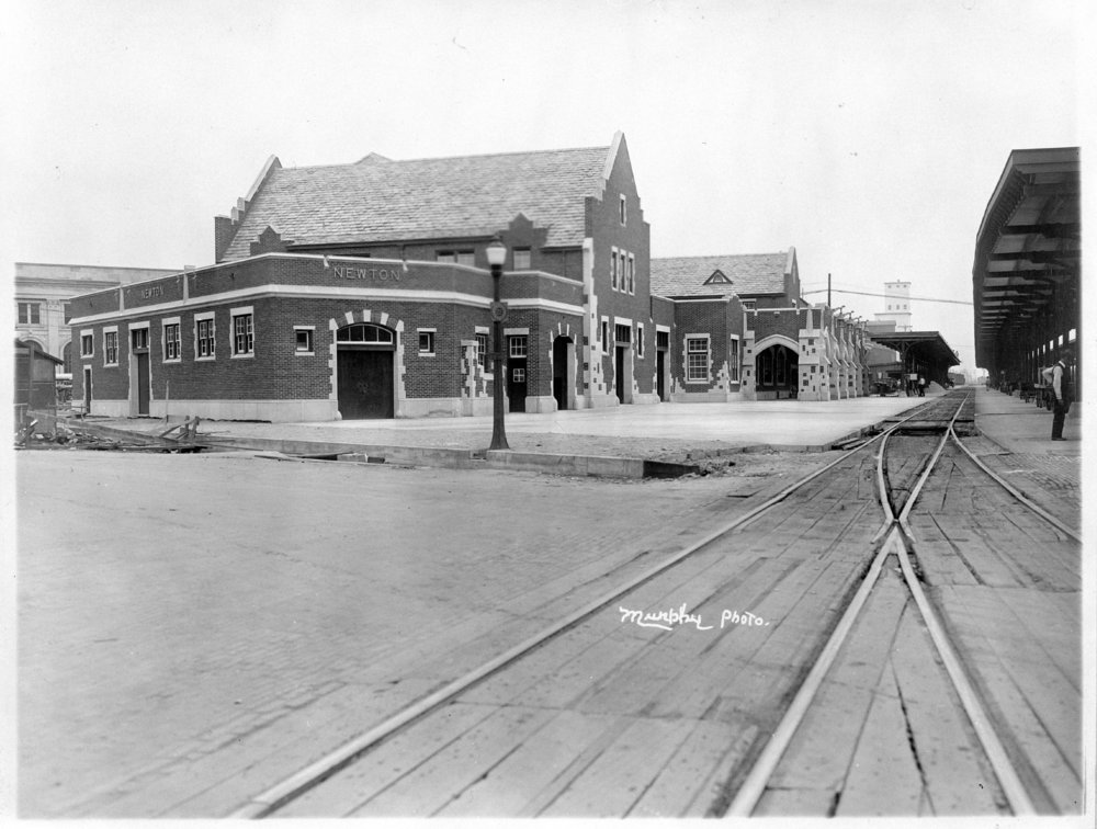Atchison, Topeka and Santa Fe Railway Company depot, Newton, Kansas - 2