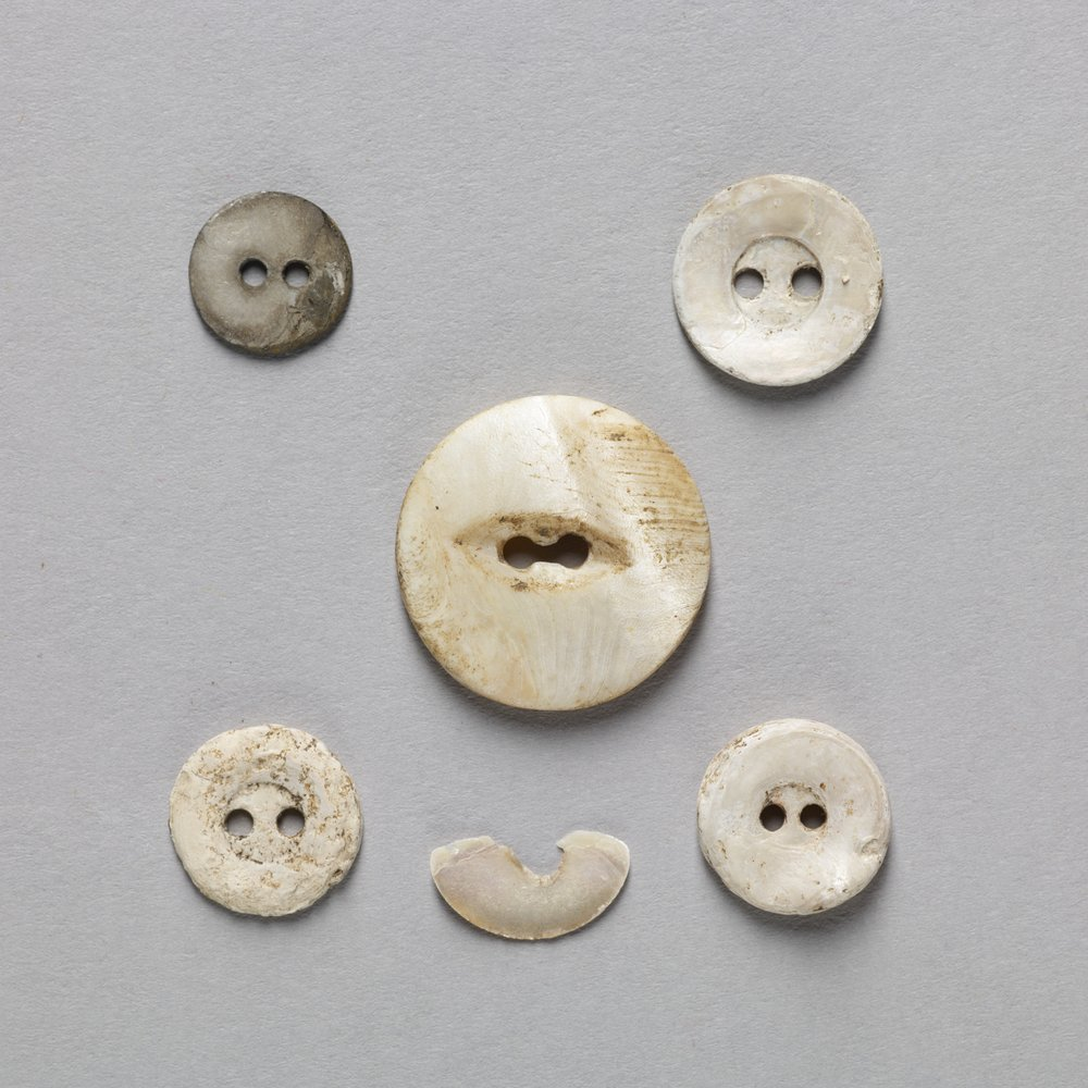 Shell Buttons from the Adair Cabin, 14MM327 - 1
