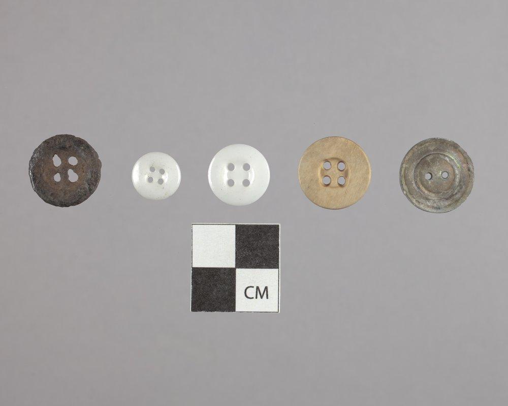 Buttons from Fort Zarah, 14BT301 - 2