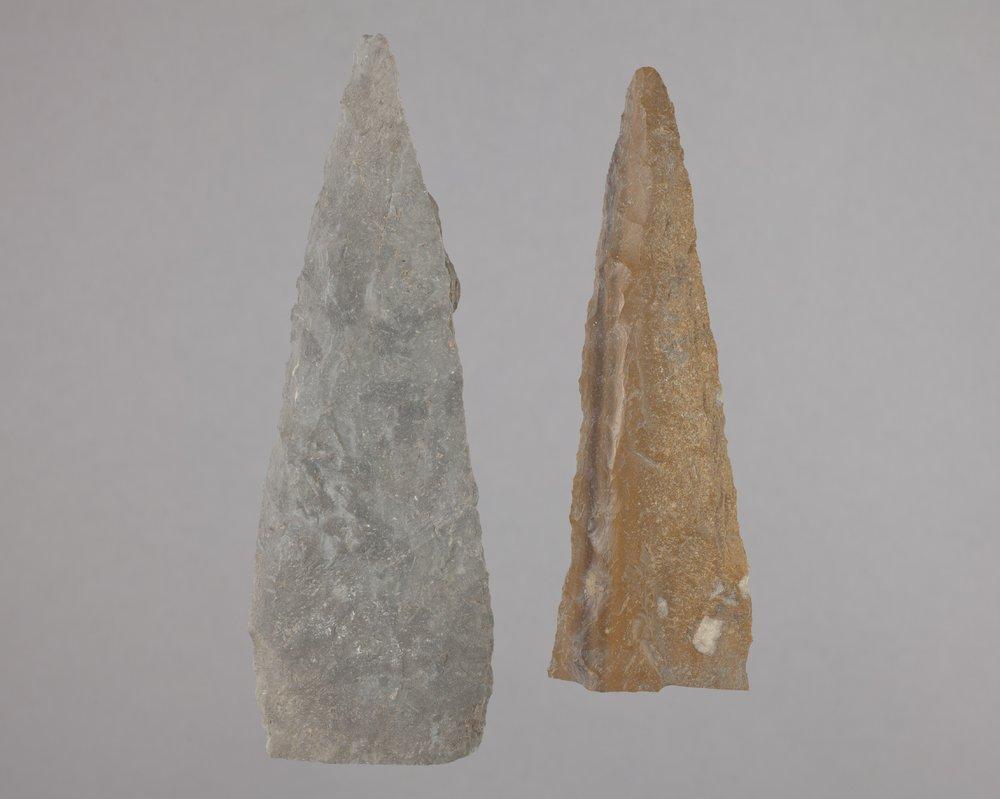 Alternately Beveled Knives from the Majors Site, 14RC2 - 1