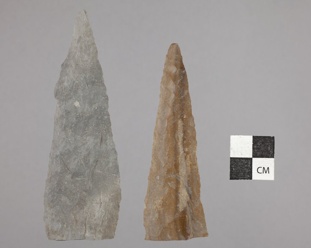 Alternately Beveled Knives from the Majors Site, 14RC2 - 2