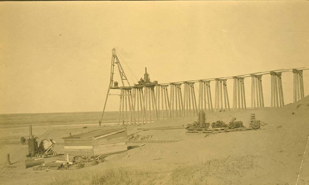 AT&SF railroad bridge construction, Abo Canyon, New Mexico