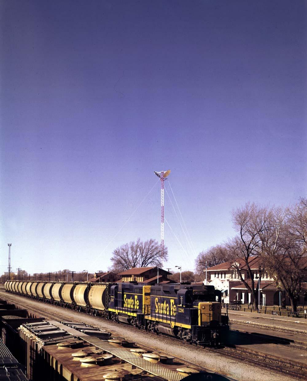 Potash train eastbound at Clovis, New Mexico