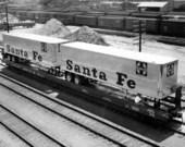 Atchison, Topeka, & Santa Fe Railway Company's piggy-back trailers