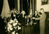 Frank Leslie Hagaman taking the oath of office