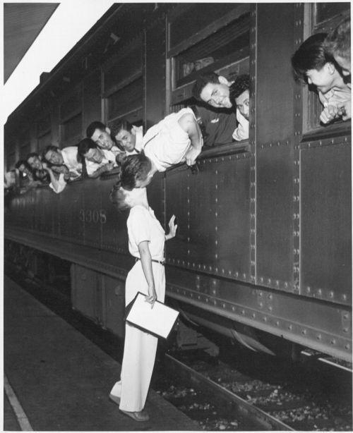 Atchison, Topeka & Santa Fe Railway Company's passenger terminal, Los Angeles, California - Page