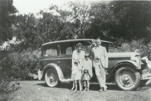 Harry Walter Colmery with his wife Minerva and children - Page
