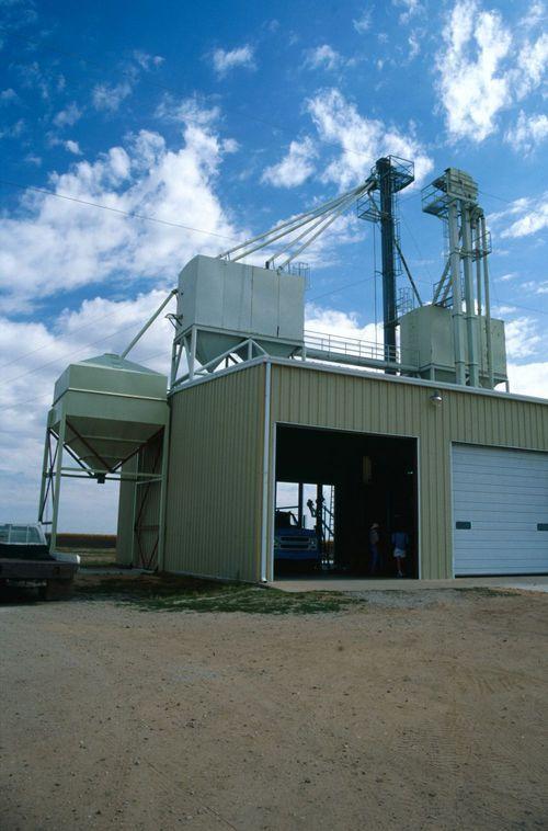 Farm structures, Kingman, Kansas - Page
