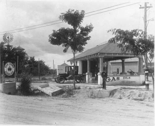 Wilson's filling station, Tribune, Kansas - Page