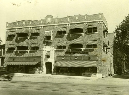 Gem Market building, 506 W. 10th, Topeka, Kansas - Page