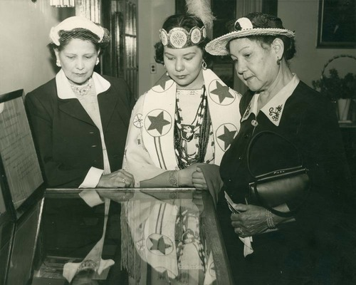 Isabelle Chouteau Bain, Sister Eads and Lucy Eads - Page