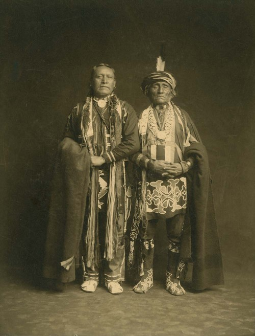Chief Washungah and Wah-Moh-O-E-Ke - Page