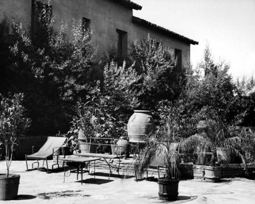 La Posada Hotel courtyard, Winslow, Arizona - Page