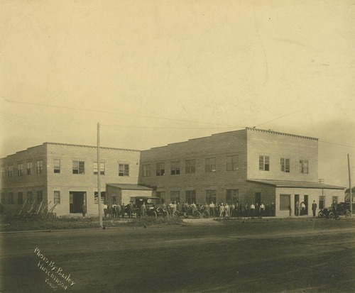 Sellers Motor Car Company factory, Hutchinson, Kansas - Page